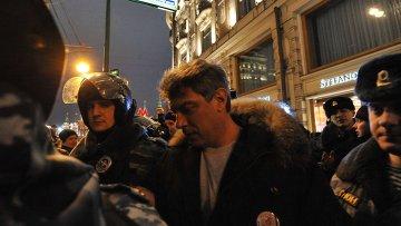 Немцов приговорен к 10 суткам ареста