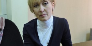 Анна Степанова. Банер с портретом Немцова опаснее выстрелов в центре города